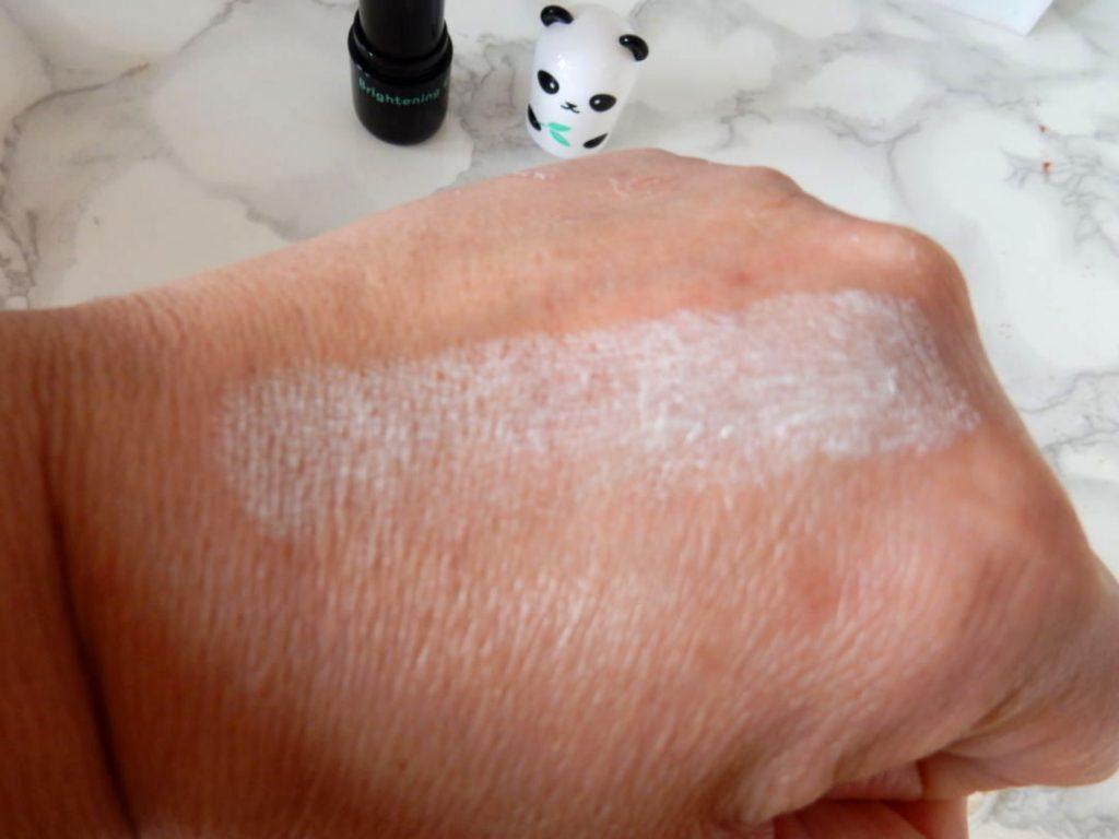 Koreaanse beautyproducten. panda handJPG