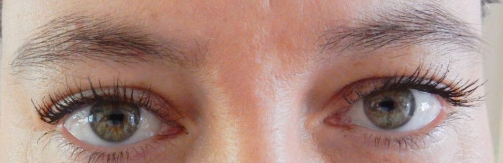 Organic mascara een laag