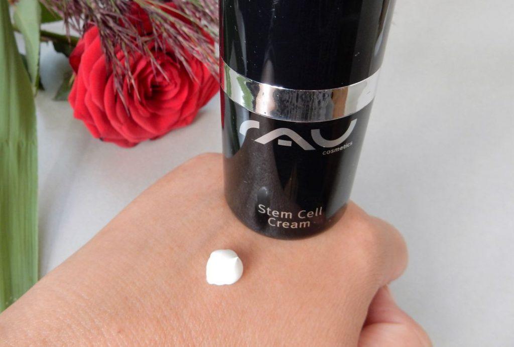 Rau Cosmetics hand