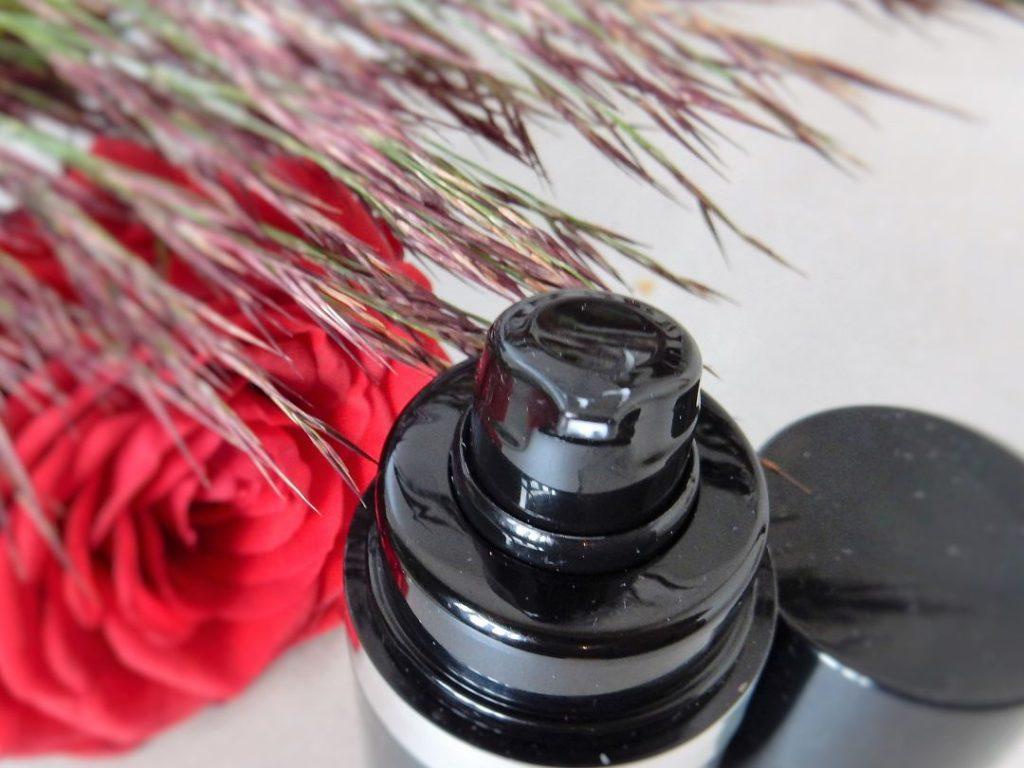 Rau Cosmetics pomp