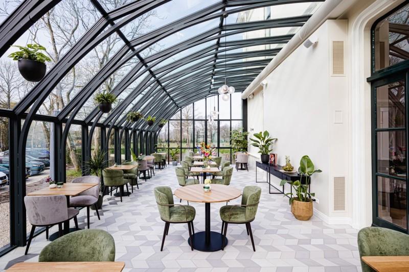 HOTEL FLORA BATAVA OPENT DEUREN VOOR GASTEN